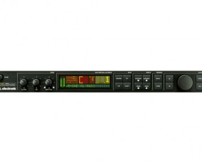 M-ONE-Stereo_Digital_Effects_Processor_XLR