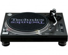Technics SL1200 Turntable